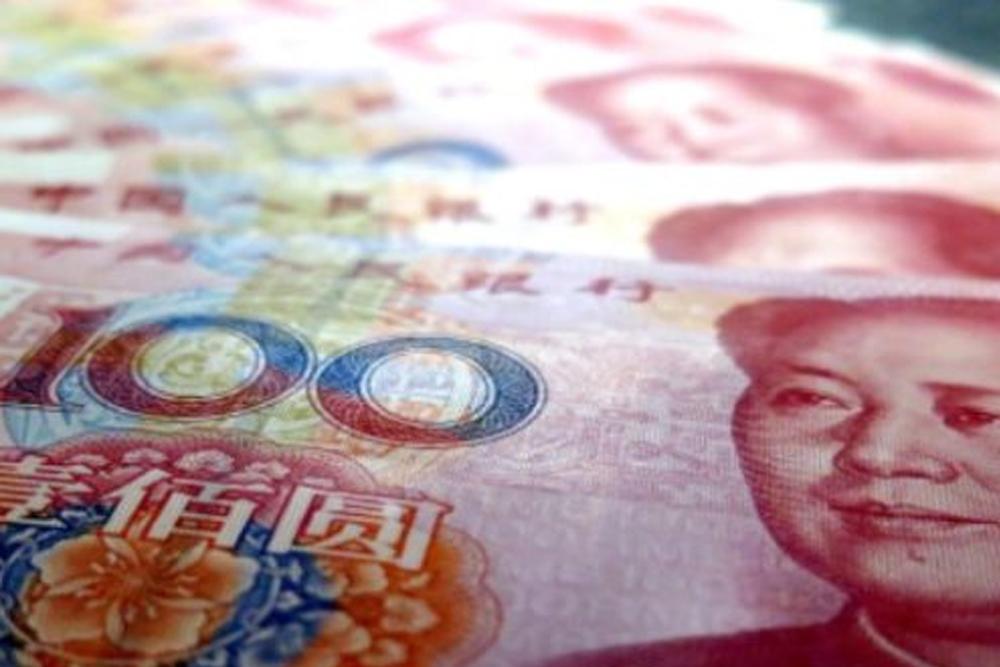 China devalúa el yuan por la caída de las exportaciones a EEUU
